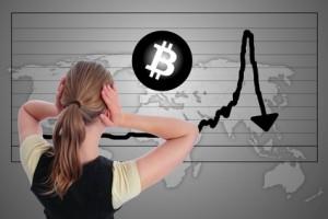 Frau in Panik Bitcoin Crash Blase Kurssturz